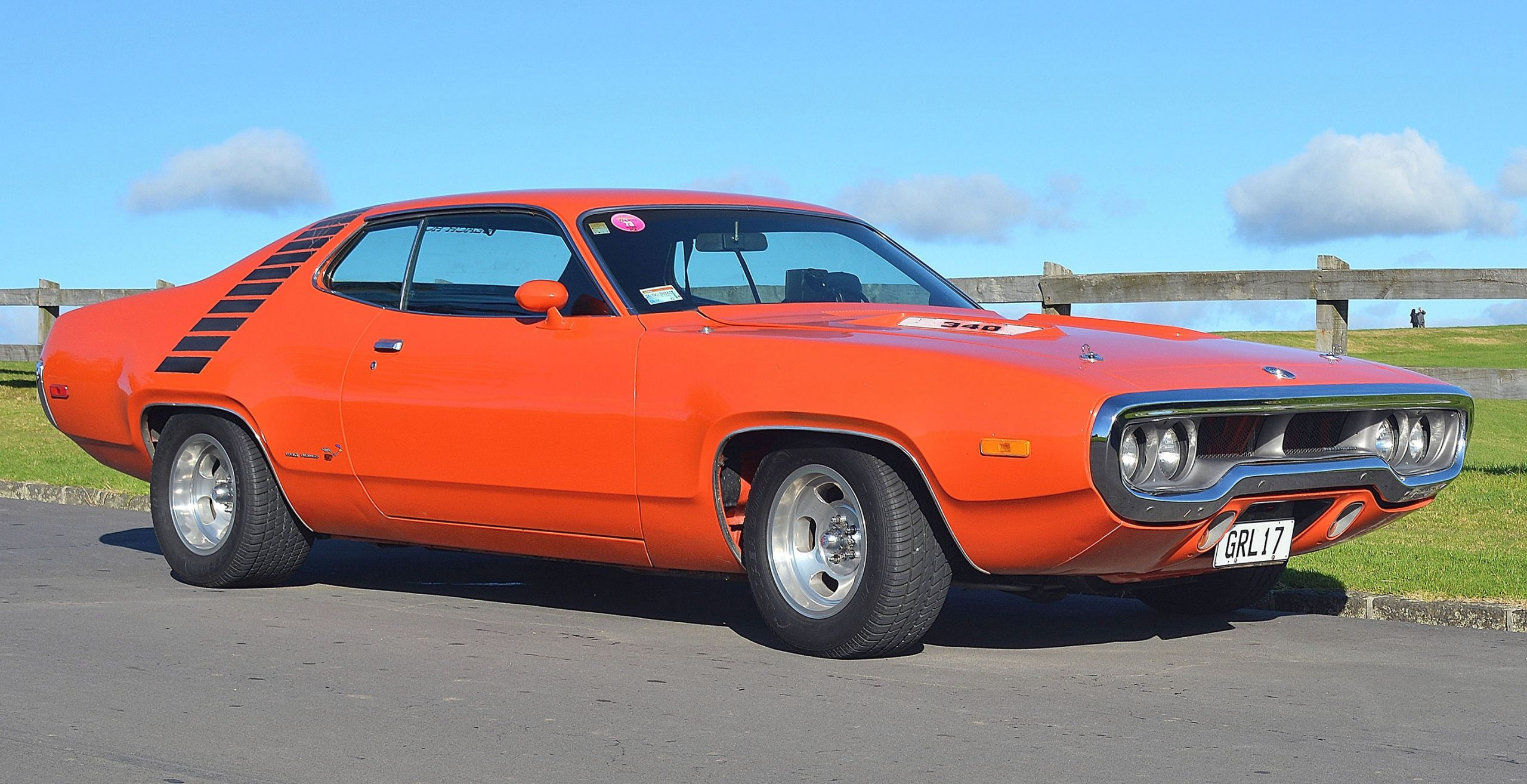 I H Plymouth Road Runner