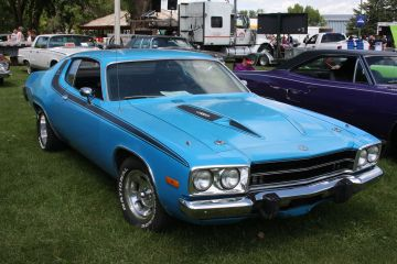 Blue 1972 Plymouth road runner