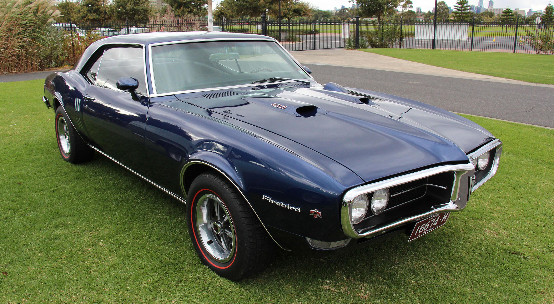 Hot Wheels 67 Pontiac Firebird 400 2010