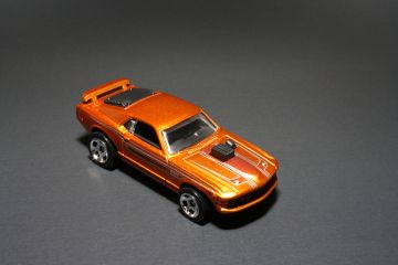 Hot Wheels Cool Classics Mustang Mach I Top